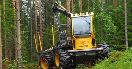 Wheels on the El-forest forwarder are driven individually by separate electric motors, reducing wheel spin and resultant damage to the forest floor.