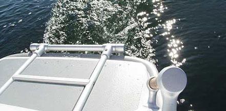 GreenWave汽船上的无声引擎,可以让乘客们静静的感受浪花与海风