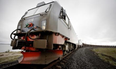 列车的绿色行驶