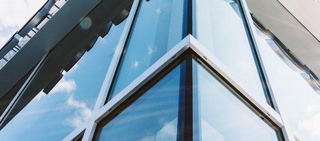 动态玻璃调节实现节能